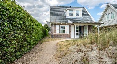 Burgh-Haamstede, Hogeweg 44-62